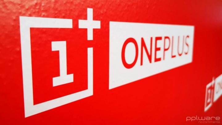OnePlus 7T OnePlus 7T Pro smartphones specifikacije zaslona
