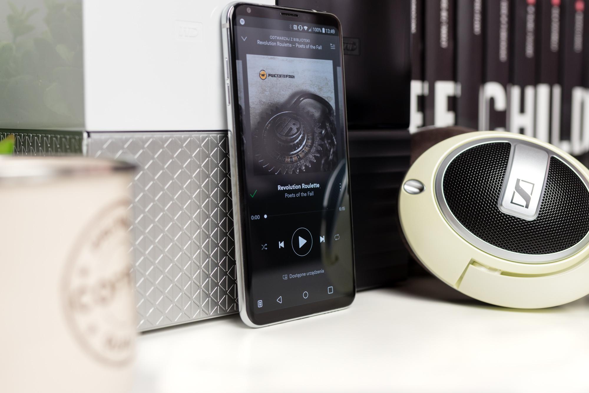 Glazbeni pametni telefon koji preuzima visokokvalitetnu glazbu s streaming usluga: Spotify i Tidal.